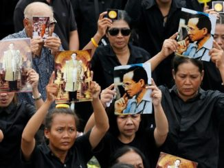 Google complies with Thai govt's war on anti-royal content