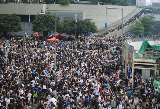 Chinese censors work hard to erase news of Hong Kong protests