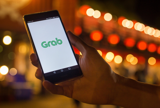 Grab explores digital-only banking licence in Singapore