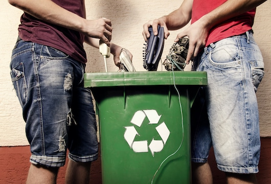 Starhub completes move to fibre, promotes recycling of old kit