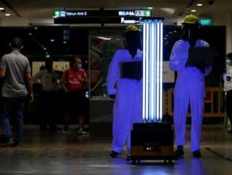 Singapore UV light robot